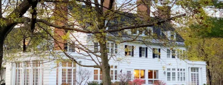 springtime vermont inn white mansion twighlight