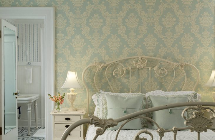 Romantic Getaway in Vermont queen bed