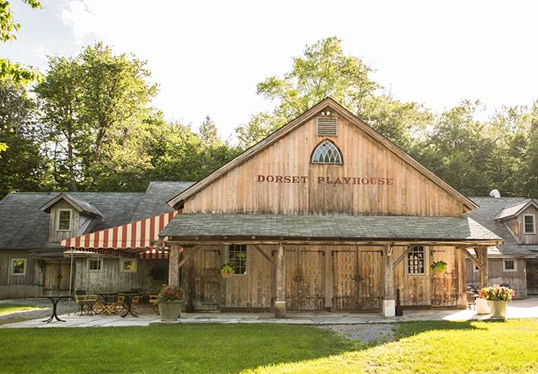 Exterior of Dorset Playhouse theatre in Vermont