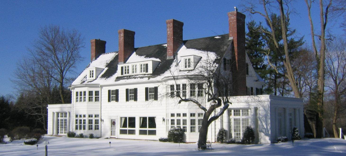 Four Chimney's Inn Exterior