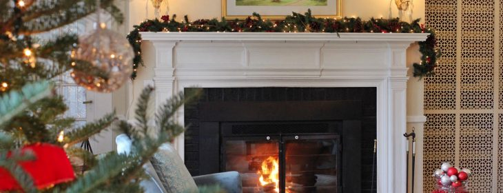 vermont Holiday living room scenes at The Four Chimneys Inn bed-and-breakfast