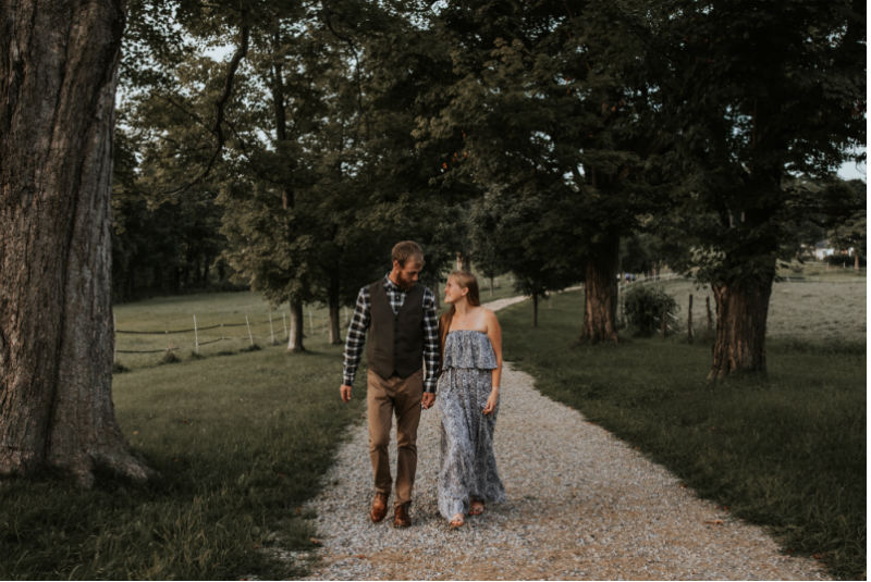 engagement-photo-mile-around-woods-lorianna-weathers