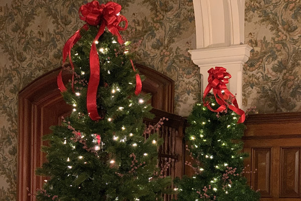 old fashioned christmas tree historic vermont mansion
