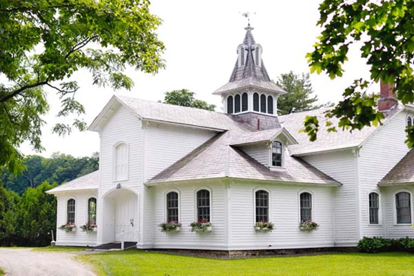 vermont wedding venue restored barn rustic chic